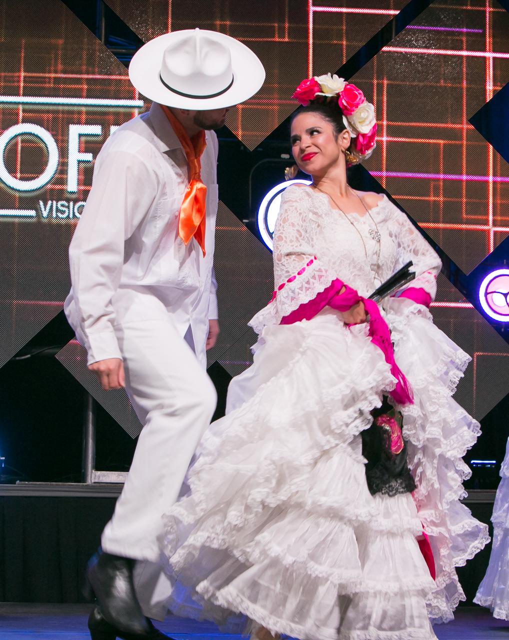These traditional folklorico dancers provide morning inspiration for the corporate event attendees.